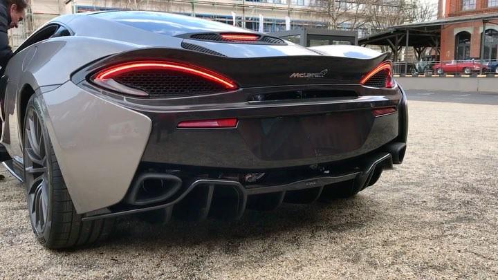 McLaren 540C Cold Start SOUND😈 @mclarenauto @klassikstadt #540c #mclaren540c #mclarensound #coldstart #frankfurt #frankfurtklassikstadt #automanntv