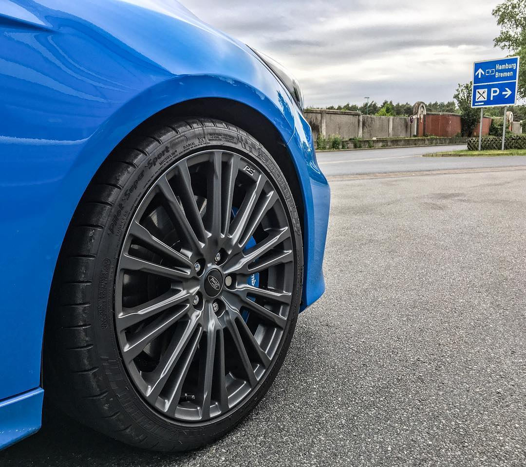 Direction North🔝…on our way to a great filming weekend…and it will not only be the Focus RS🙃😛 #fordperformance #fordfocusrs #focusrs #focusrsmk3 #nitrousblue #rims #rs #automanntv #automannsgarage