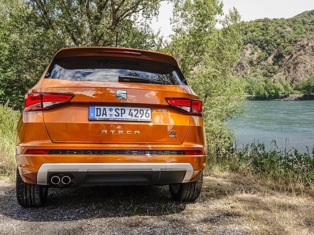 Beautiful SEAT Ateca FR in Samoa Orange parked next to the Donau near Vienna👌 @seat_de @seat_official #ateca #atecafr #austria #wien #seatateca #seatsocialcar #donau #orange #automanntv