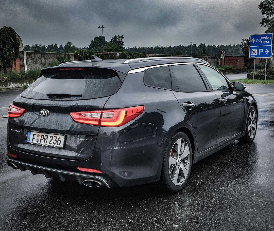 A kia which does 250 km h on speedo is something new to for Garage kia englos