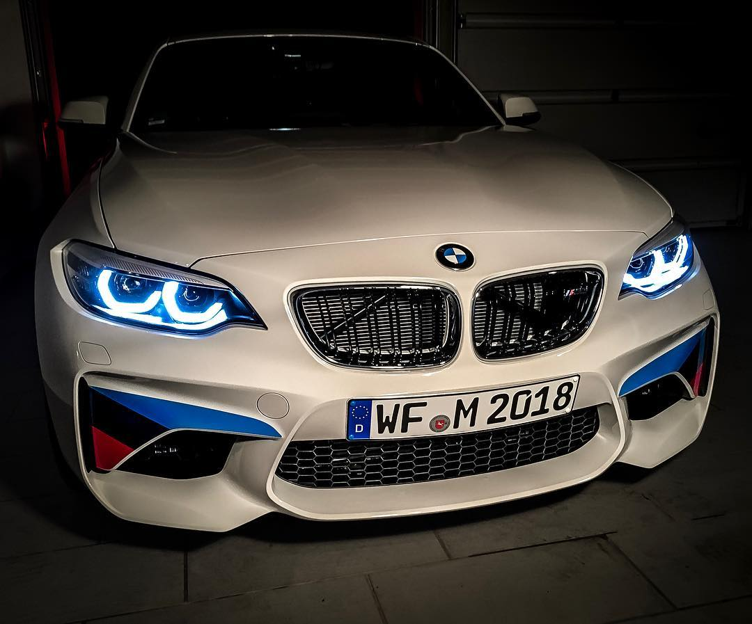 BEAST😱…just put the M-Performance front stripes on by myself😳 @bmwm #bmw #bmwm2 #m2lci #m2 #mperformance #automanntv #AutomannsGarage