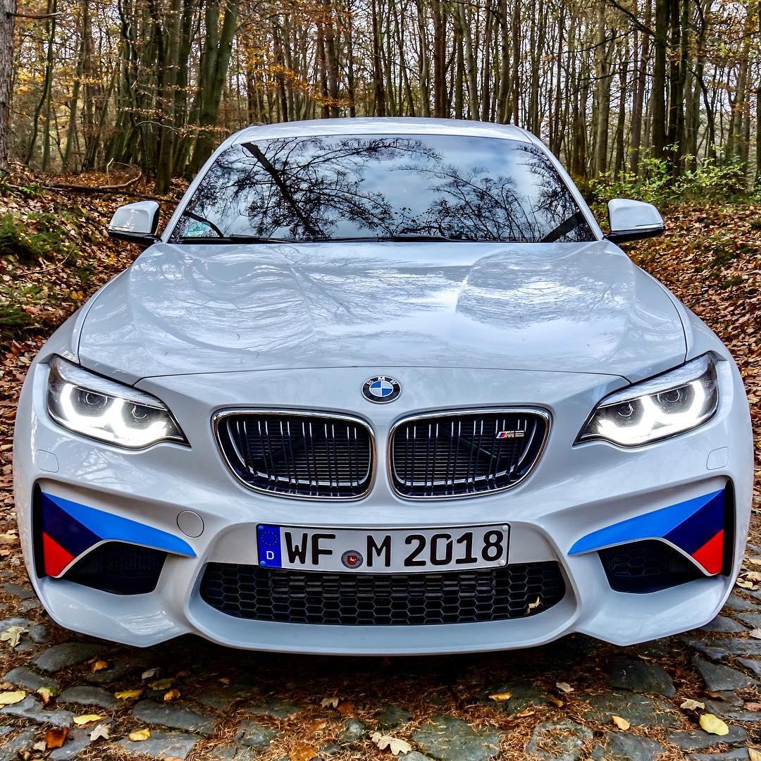 "With now 2.500 km on the clock it's time to shoot the ""pure SOUND""💥😜 #bmw #bmwm2 #mpower #mperformance #performanceparts #m2lci #bmwm2lci #automanntv #AutomannsGarage #autumn"