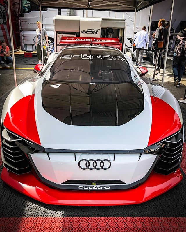 Take a seat in the new #VisionGT… @thegranturismo is a game…but they made this car real😍👌 @audisport #audisport #grantursimo #thegranturismo #motorsport #audi #leagueofperformance #automanntv #racinggloves #automannracing