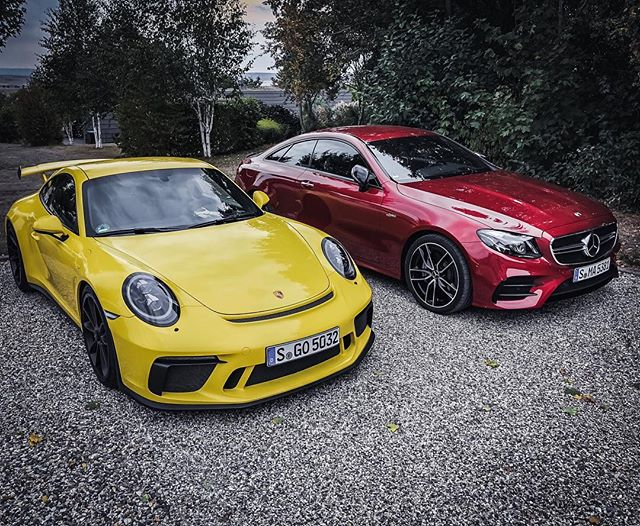 2x Stuttgart…that seems to be a place where they develop great cars😜 #porsche #porsche911 #porsche911gt3 #911gt3 #991gt3 #porsche991gt3 #automanntv #yellow #e53 #e53amg #e53coupe #eclasscoupe #eclass #mercedesamg #amg