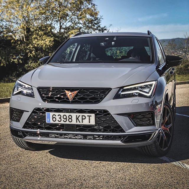 "Uuhhhh…this CUPRA Ateca has a nice spec👌… @autogefuehl kindly lent us their car for some shots of this grey beauty👍…please check out YouTube for our ""pure Sound"" of this one👇  @seat_de @seat_official @cupra_official #cupraateca #cupra #seatcupra #ateca #barcelona #automanntv"