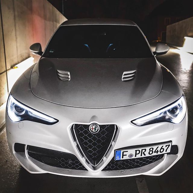 This Quadrifoglio is ultra-LOUD💥😱…what a masterpiece in SOUND & Performance! Full video is now out on YouTube & our acceleration video is coming tomorrow🤙 @alfa_romeo_de @alfaromeoofficial @alfaromeoitaliaofficial #alfa #alfaromeo #alfaromeostelvio #alfaromeostelvioquadrifoglio #stelvio #stelvioquadrifoglio #stelvioqv #alfaquadrifoglio #automanntv
