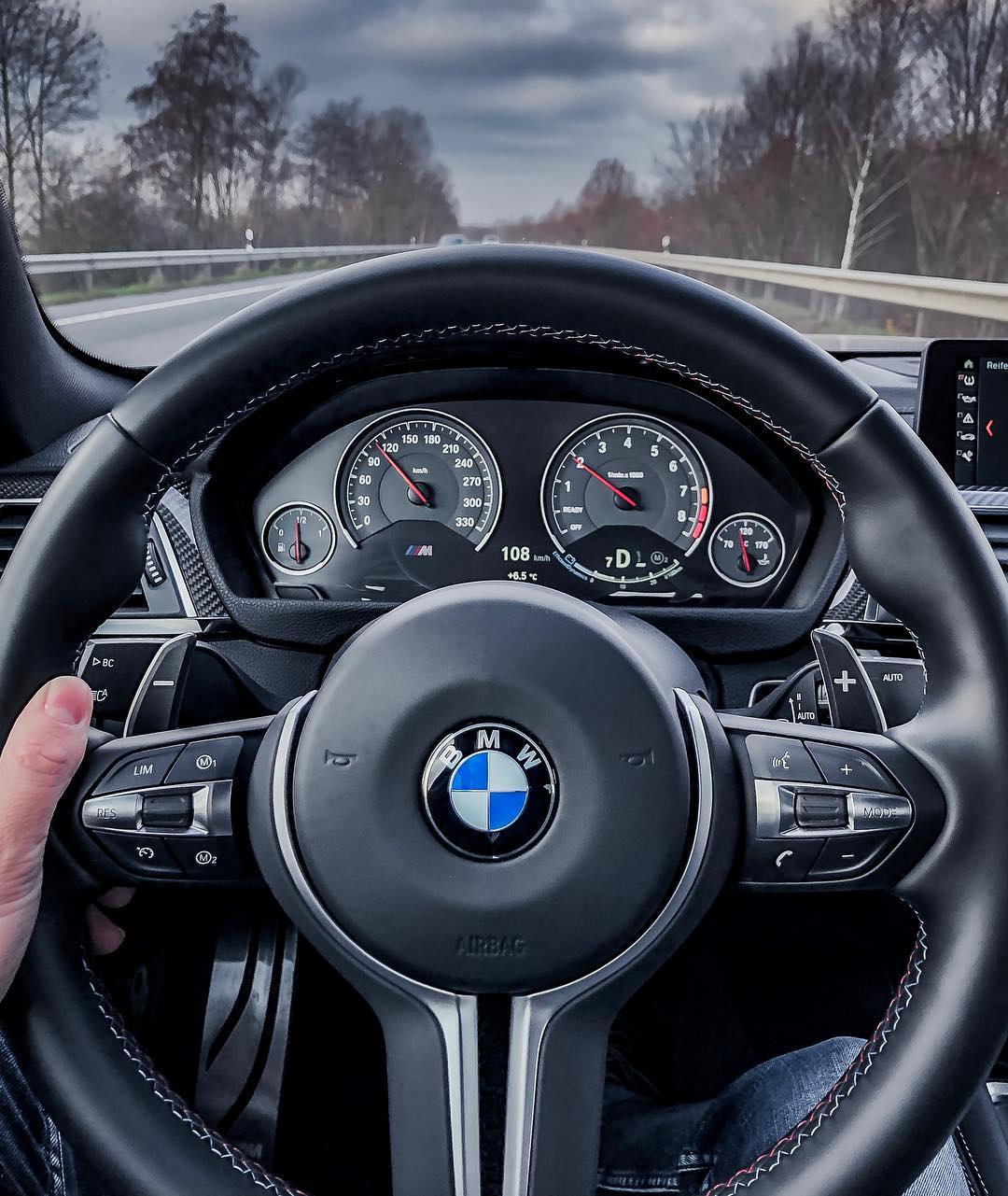 Today is Ⓜ️-Day again…those Michelin Pilot Super Sport don't really work at 6.5🌡…it's and awful lot of fun to drive this beast tho😱 #bmwmrepost #mperformance #m4competition #m4competitionpack #m4cs #m4 #bmwm4 #bmwm4competitionpackage #frozenblack #frozenblackm4 #automanntv #automannsgarage #mtown