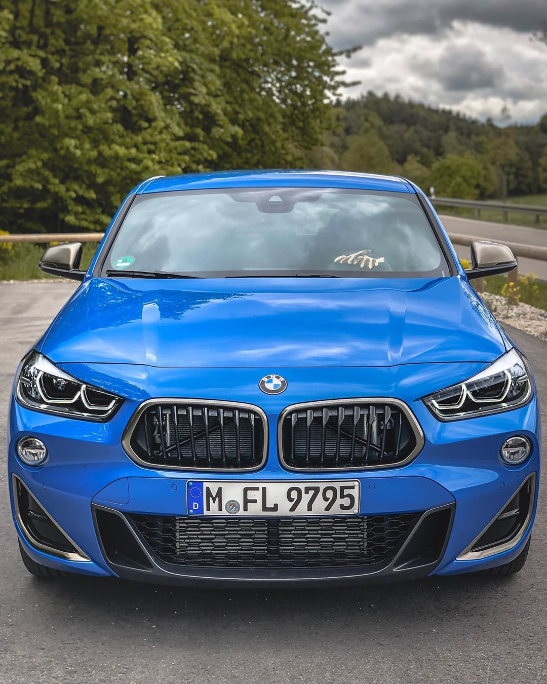 X2 M35i💥🤘…first 4-Cylinder M-Performance car/engine….and I can already tell you that that isn't a bad thing at all😬 @bmw_x2_fan @bmw #bmw #bmwx2 #bmwx2m35i #x2m35i #automanntv #munich #mperformance