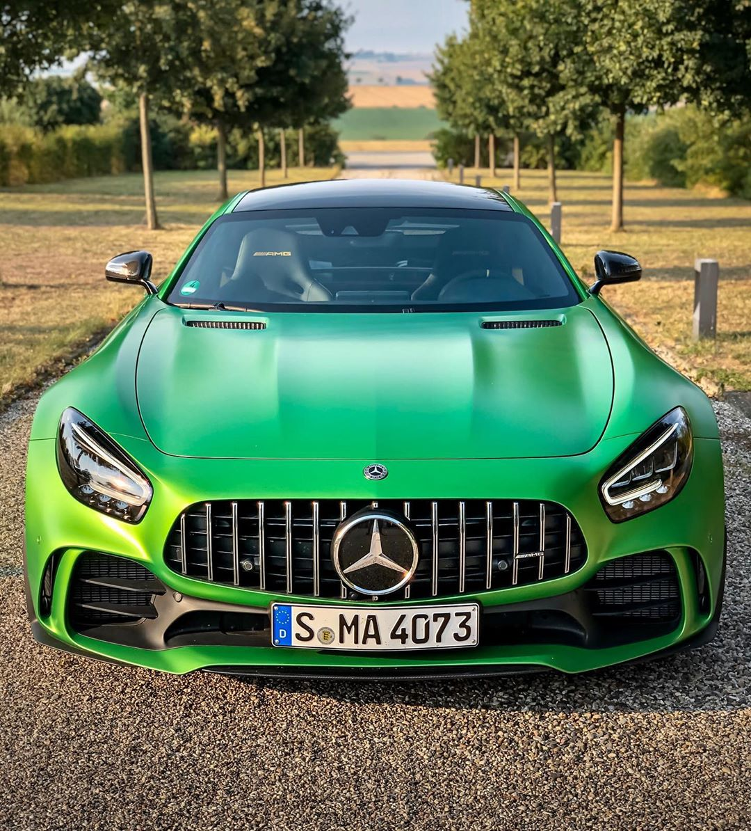 Watta machine💥🍏🏁…Some days are just better than others😇…finally our GT R journey starts with matte green paint & beautiful weather! Stunning photo-shoots & emotional videos are just around the corner🙏 @mercedesamg #mercedesamg #mbsocialcar #amg #amggtr #gtr #amggtrpro #amggt #greenhellmagno #greenhell #automanntv