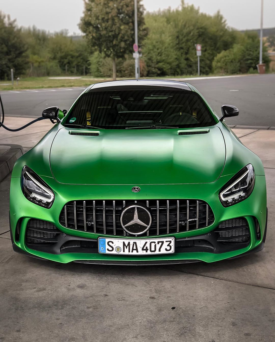 6.3 sec. 100-200 km/h💨…this thing got balls💣…full acceleration video now out on YouTube! Link in Bio☝️ #mercedesamg #mbsocialcar #amg #amggtr #gtr #amggtrpro #amggt #greenhellmagno #greenhell #automanntv