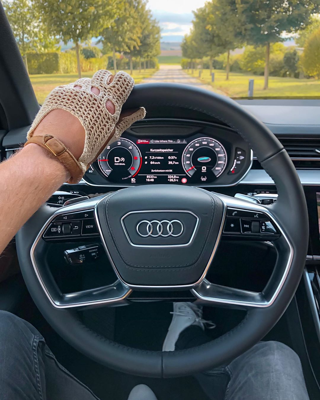 That View🤩…back in our A8 50 TDI for a few days…unbelievable luxury in this one👌 #audia8 #a850tdi #audiluxury #luxury #audiexclusive #a8l #a8 #automanntv #automannsgarage #audi