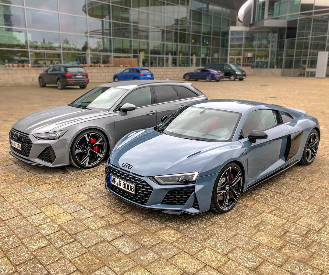 IMHO…two of the best looking Audi's currently in the lineup! Love that new RS6 Avant✨🤩#audisport #audirs6 #audirs6avant #rs6 #rs6avant #audirs6performance #rs62020 #automanntv #audir8 #r8facelift #audir8facelift #automannsgarage