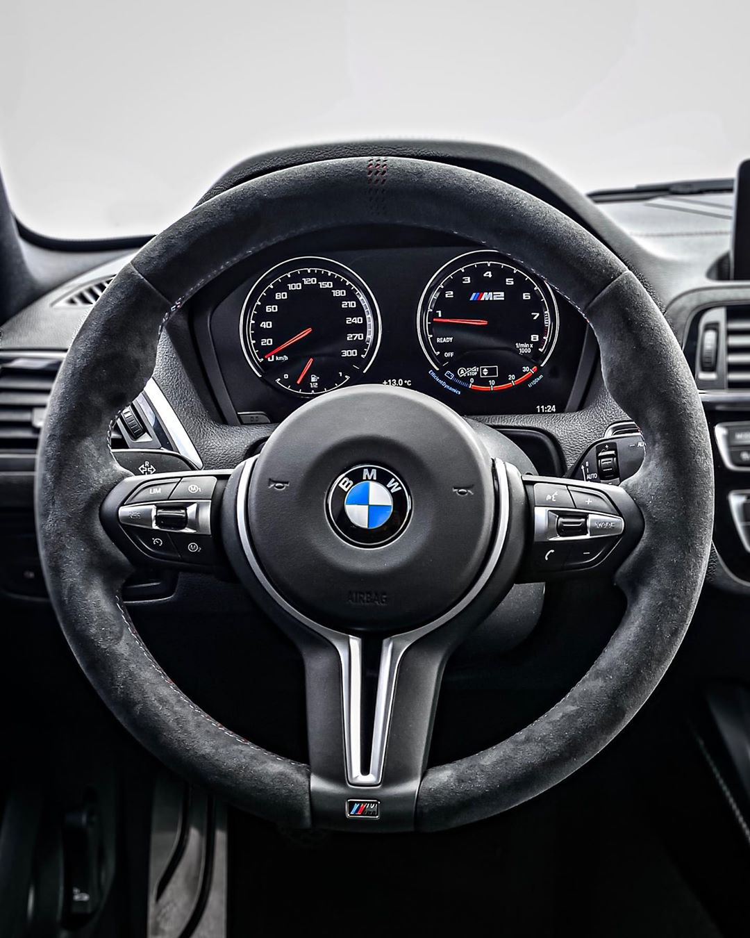 😱😳…///M2 CS is out! Remember we had 370 hp in our manual M2 LCI…now this CS is 450 hp & 550 Nm, as it's a similar setup as our former M4 Competition it will do close to 500 hp😜 #bmwm #bmwm2 #bmwm2cs #m2cs #m2csl #m2competition #bmwm2competition #automanntv