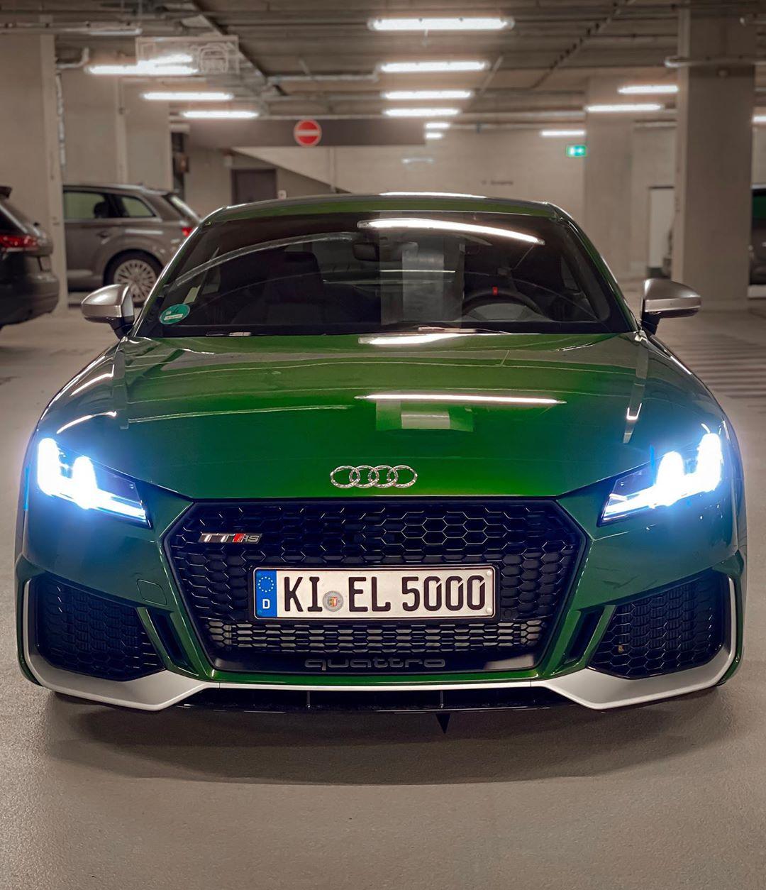 HULK meets ELFIE🤩 #audisport #ttrs #audittrs #ttrsfacelift #rs #sonomagrün #sonomagreen #automannsgarage #automanntv