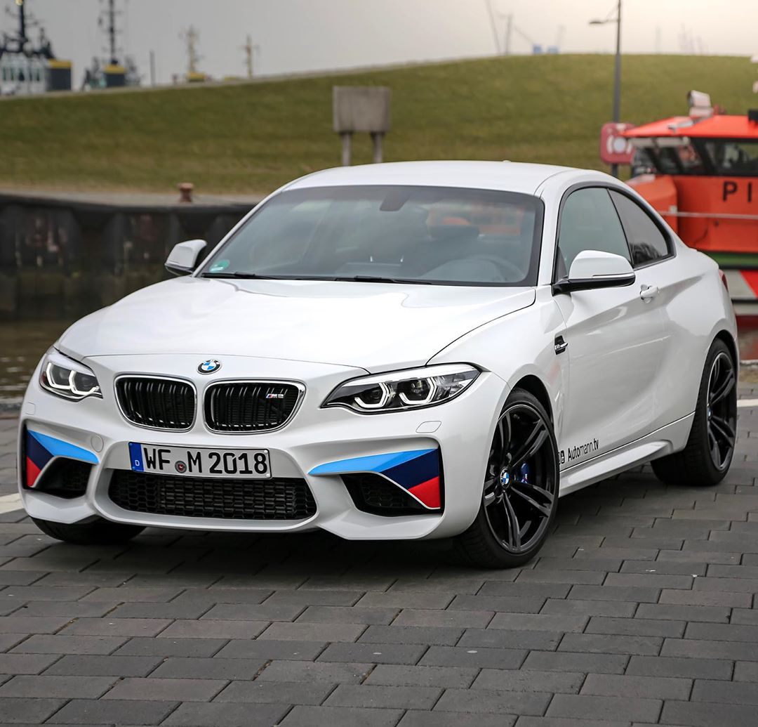 Miss our ///M2 LCI with manual transmission🥺…do YOU think it's time to opt in for a Bimmer again in #Automannsgarage ?🤔 #bmwm2 #m2 #m2lci #bmwm2lci #m2competition #bmwm #automanntv