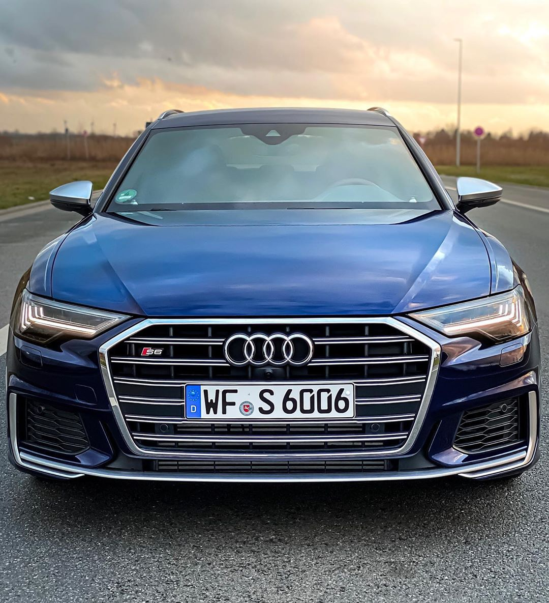 Our 15 min. YouTube video of this S6 TDI is now out on our channel🙌…lots of talking & many detailed aspects about engine, sound, handling & costs! Make sure to subscribe right away to don't miss out on some more cool stuff coming soon🙏 #audis #audis6 #audia6c8 #audis6c8 #a6competition #s6 #s6avant #s6tdi #automanntv #automannsgarage #navarrablue