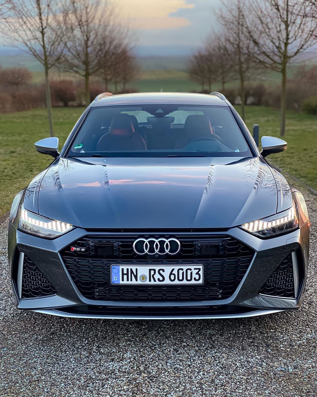 Taking a deep breath of fresh air & enjoying the beauty of this extreme Audi 😋😍 #audi #audirs6 #audisport #rs6 #rs6avant #newrs6 #rs6c8 #rs6performance #automanntv