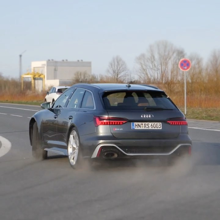 "The internet: ""Audi Quattros cannot oversteer☝️""…NEW RS6: ""Hold my beer…watch this""😜🤙 #audi #audirs6 #audisport #rs6 #rs6avant #newrs6 #rs6c8 #rs6performance #automanntv"