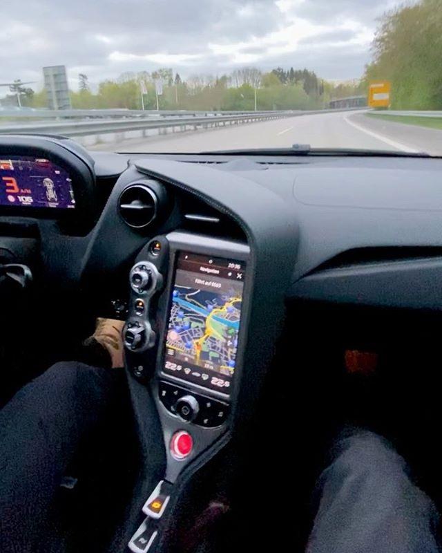 720s Tunnel SOUND💥😱 while our McLaren 765 LT💨 YouTube Video is finally out😜👊 #mclaren #mclaren765lt #765lt #hamburg #automanntv