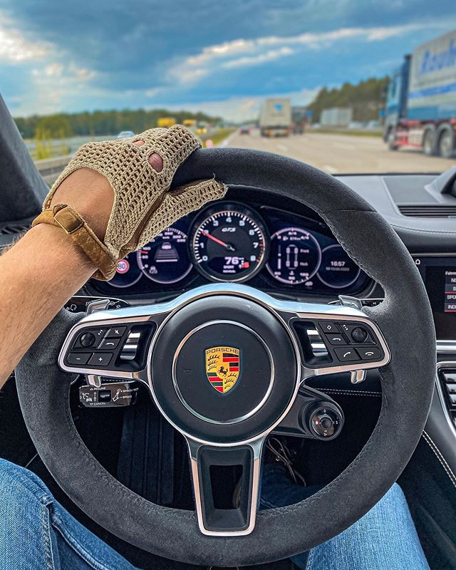 Decided to pick the new Panamera GTS of @porsche_hannover and head out for a weekend drive with some nice V8 rumble😁☝️ #porsche #porschepanamera #porschepanameragts #panameragts #panamerasportturismo #porschegts #panameraturbo #automanntv #hannover