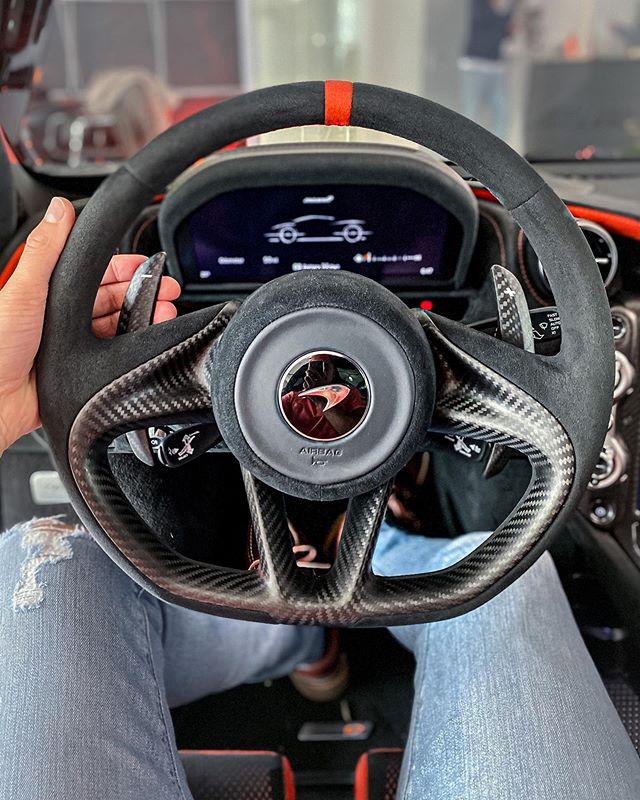 McLaren 765 LT💨 our YouTube Video of this Flame Shooting supercar🔥 is finally out😜👊 @mclarenhamburg #mclaren #mclaren765lt #765lt #hamburg #automanntv