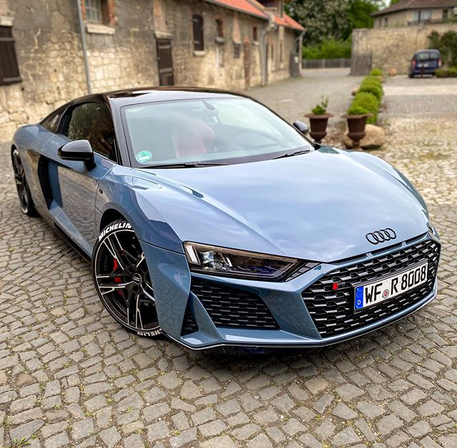 """Sharp Lines🔥…R8 Facelift in """"Automann-Style""""😅…looks good from every angle👌 #r8wrap #audiwrap #iphone11pro #audir8 #audisport #audir8facelift #audir8v10 #r8 #r8facelift #r8v10 #automanntv #automannsgarage"""